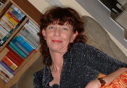 Angie Pfeiffer