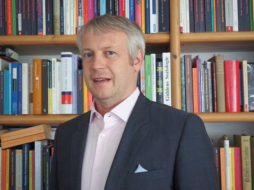 Dietmar J. Wetzel