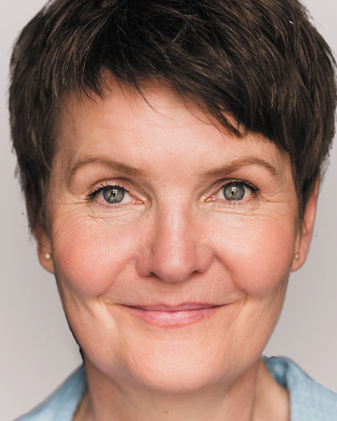 Susanne Dobrusskin